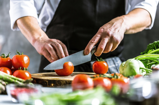 Keeping up with the cooks? Food regulation in a digital age